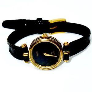 GUCCI~classic women's~GOLD/BLACK WATCH